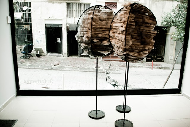 Merve Aykel, Exile, 2011, wire, fiber, acrylic and ink on cardboard, 180 x 80 cm, photo © Simin Yildiz