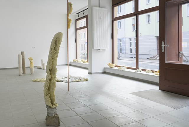 Marit Wolters, Das Haus am Bach, sitespecific installation in a vacant store in Meißen (Germany) as part of the project Außer Haus in cooperation with Kunstverein Meißen